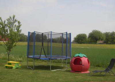 Ferienwohnung-Thiem-Kinderspielplatz